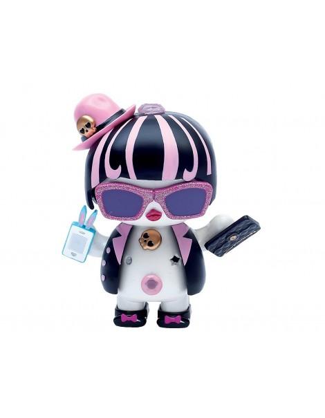 Giochi Preziosi - U Hugs, Bambola da Personalizzare Sassy Fashion con Accessori Attacca e Stacca, Multicolore