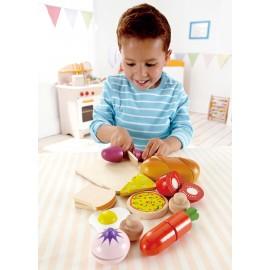 Hape novità dell'anno  Hape E03110 - Set alimenti in legno da tagliere - Hape la migliore !!!!!