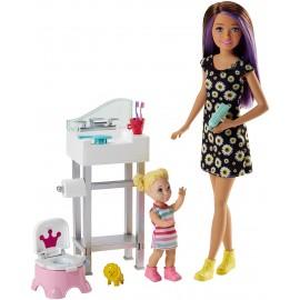 Barbie  Babysitters  Playset con Skipper, Bebè, Lavandino e Vasino Trasformabile di Mattel  FJB01