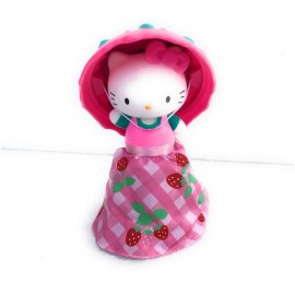 NOVITA' CUPCAKE DOLL CUPCAKE SURPRISE HELLO KITTY MODELLO FRAGOLA - STRWBERRY -